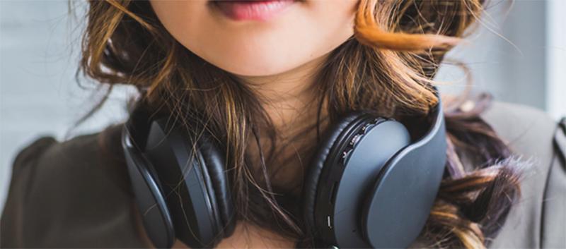Синие волосы и кольцо в носу: почему подростки экспериментируют с внешностью